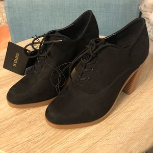 NWT Forever 21 Black Suede Ankle Bootie Size 7